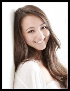 山田ローラがインスタで出産直後の双子画像を公開!可愛い!